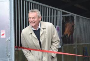 Martin Clunes racehorse3 CIN45